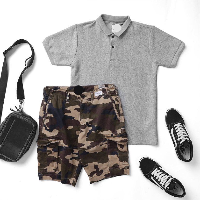 Set outfit độc đáo khác lạ nhờ chiếc quần lính và chiếc áo polo ☘️ Hãy thử đi kèm với một đôi sneaker xịn và một đooi với cao là cực chất đấy.