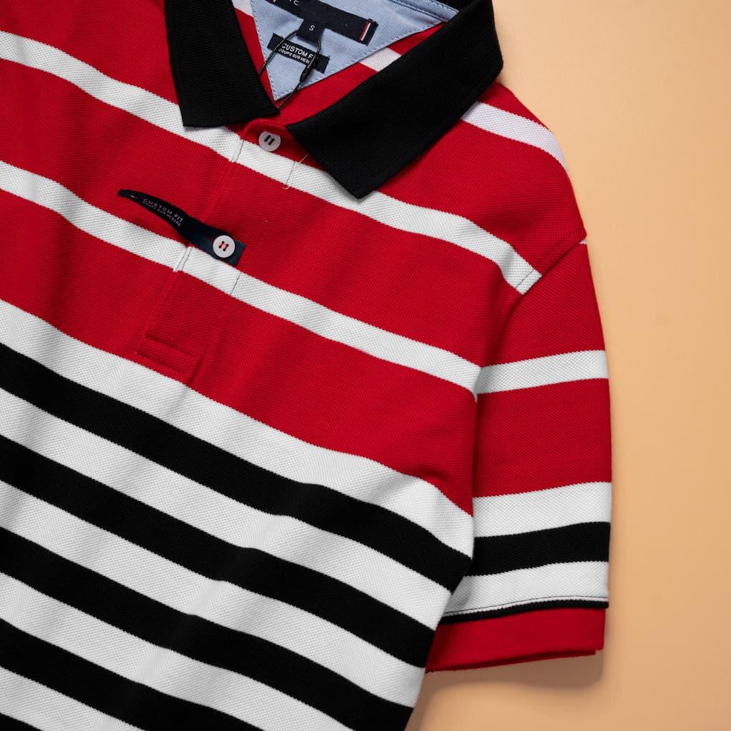 Áo Polo Sọc Ngang Tommy hình chi tiết tay áo