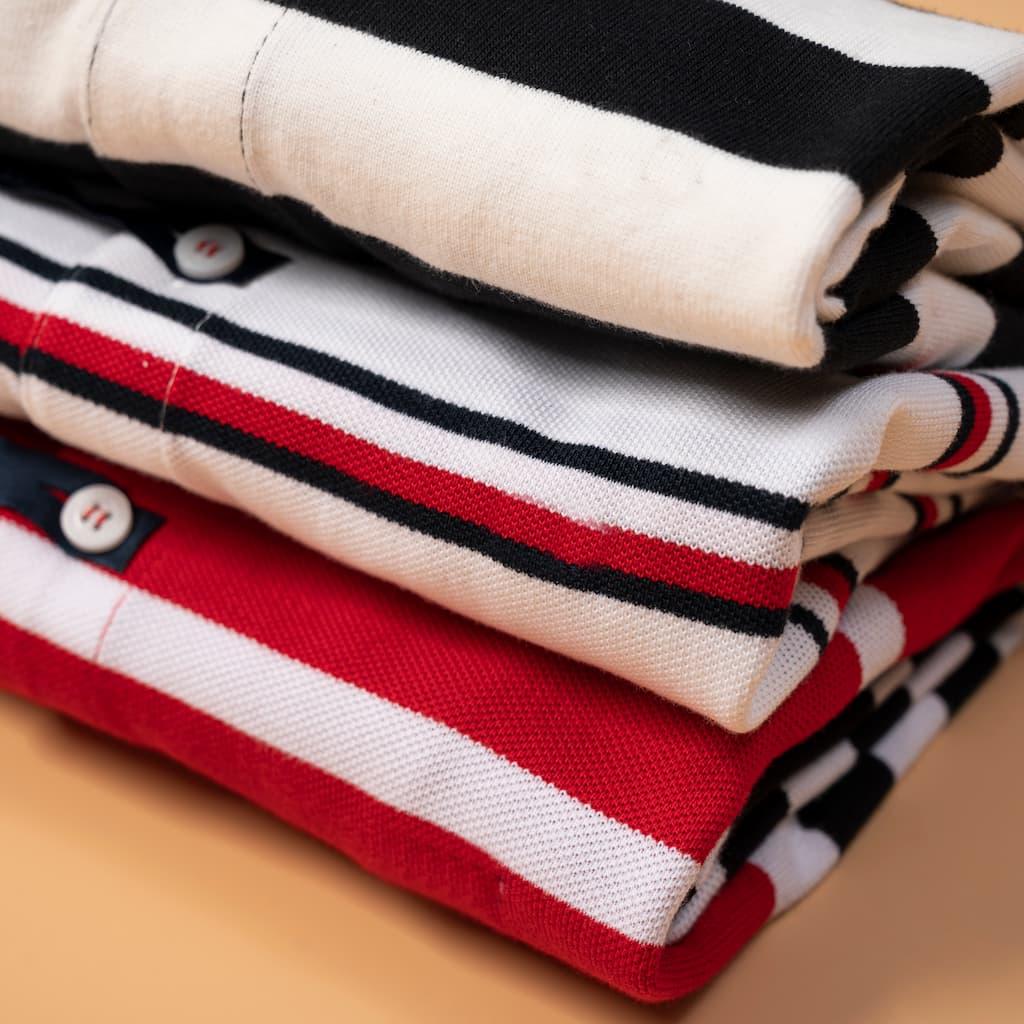 Áo Polo Sọc Ngang Tommy hình chi tiết chất vải