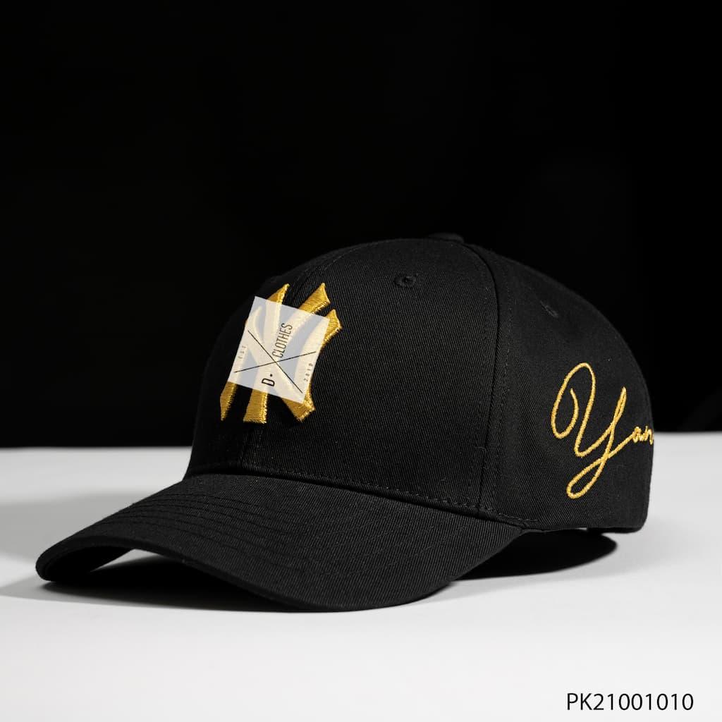 Mũ MLB đen LA chữ vàng