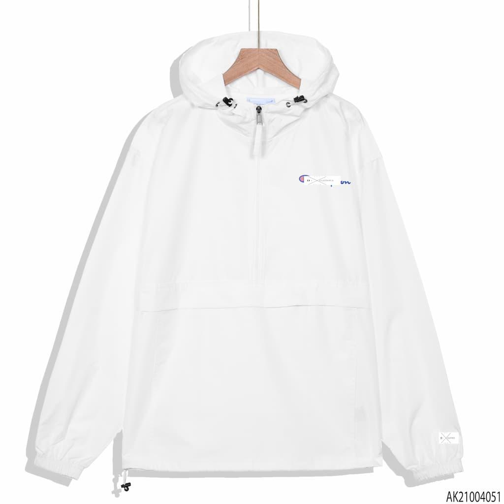 Áo khoác dù Champion màu trắng