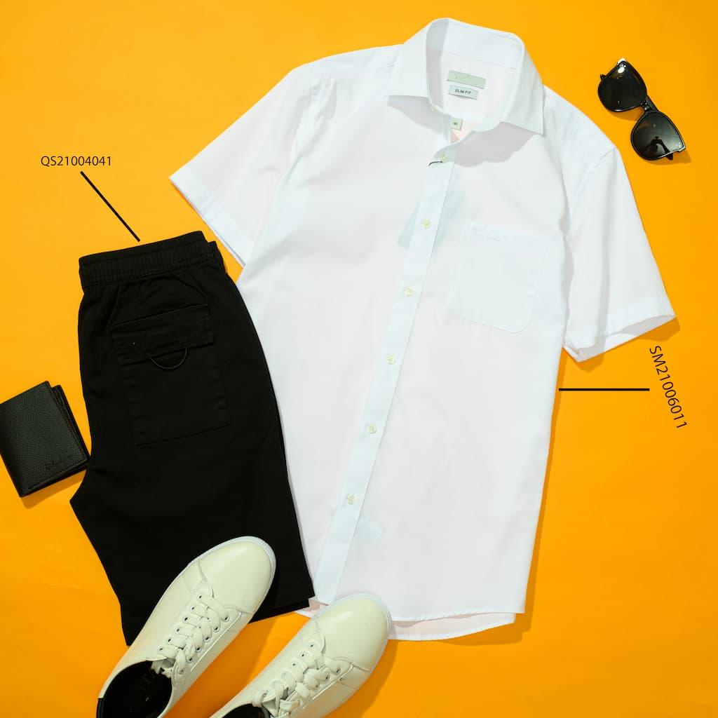 Mix and Match Sơ mi trắng và Quần shorts