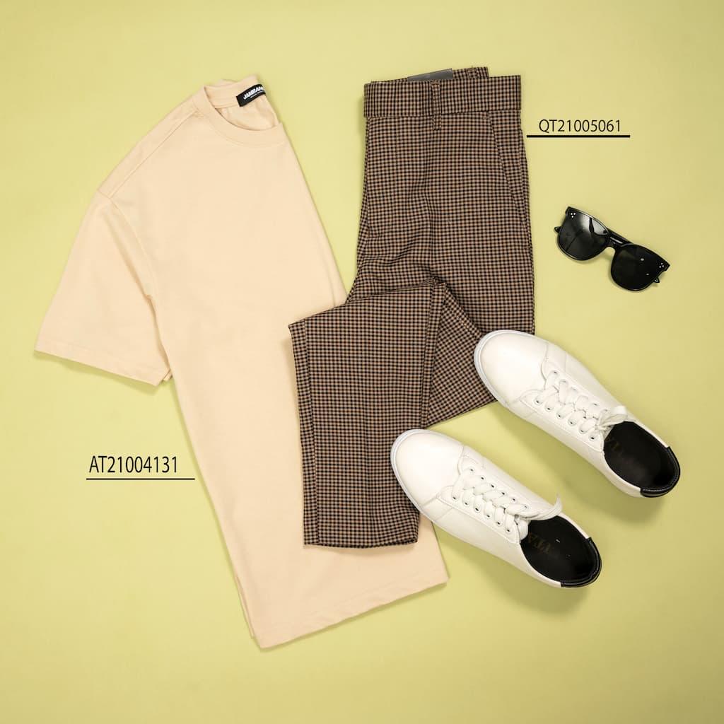 Mix and Match quần tây và áo thun