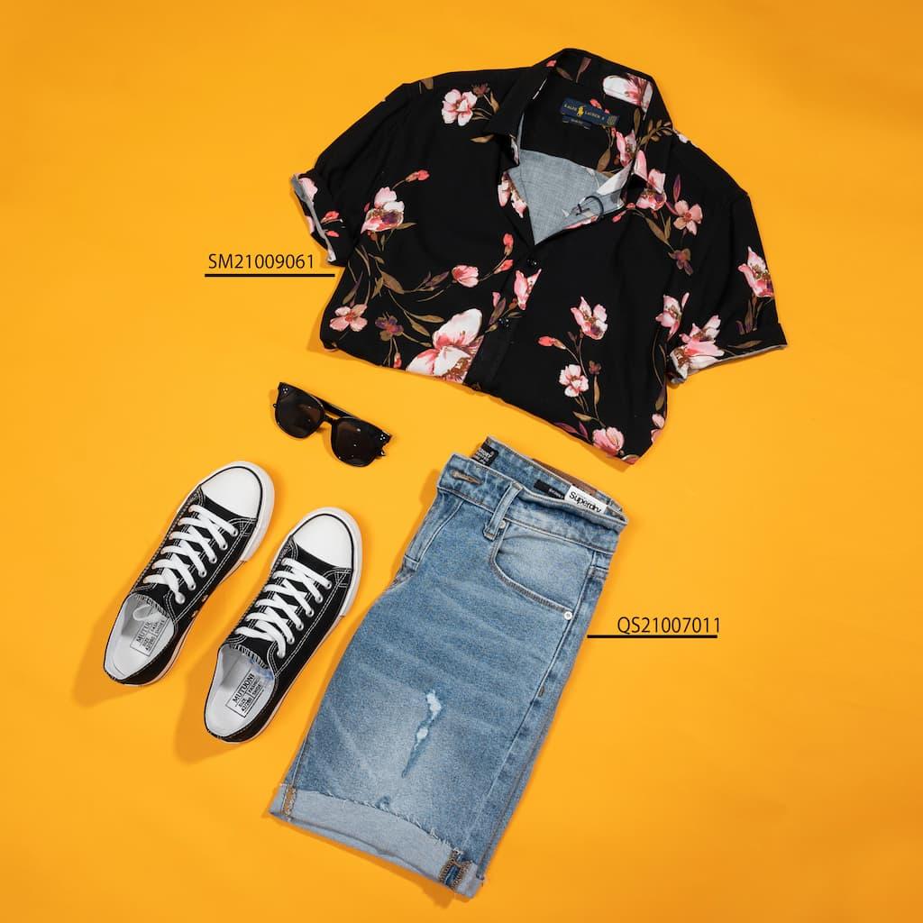 Mix and Match sơ mi floral và shorts jeans